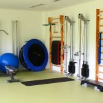 Turnsaal Sprossenwand Physiotherapie